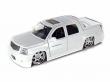 1:24 Cadillac Escalade EXT 2002