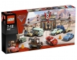 LEGO Cars 2 El Café V8 de Flo